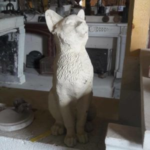 Statuette d'un chat en fonte Cat statuette in cast iron
