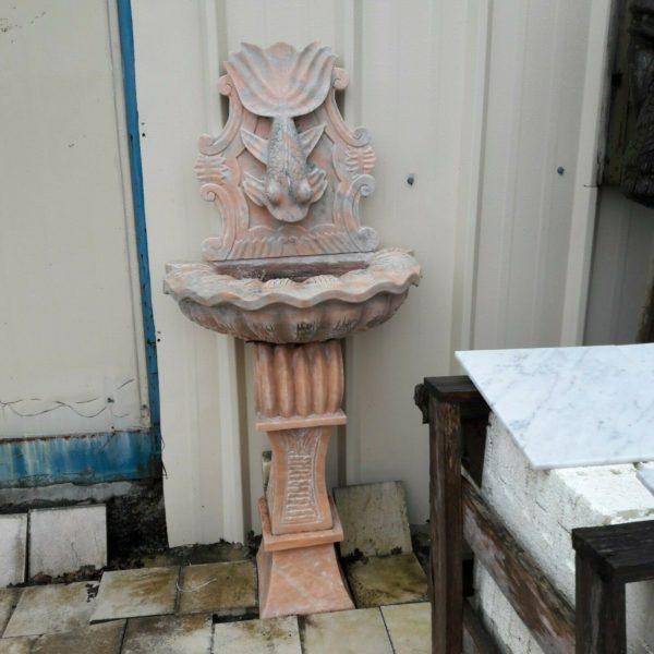fontaine marbre rose