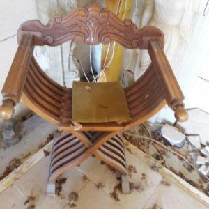 Paire de fauteuils Dagobert pliants Pair of folding Dagobert armchairs