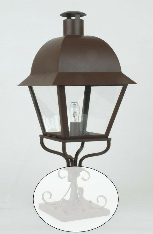 """Lanterne en fer forgé à poser sur un pilier """"ISLE SAINT LOUIS"""" (ref 55LDA). Particulièrement décorative à l'entrée d'une propriété. Existe aussi en modèle à suspendre (ref 22LDA) et en fixation mural (ref 75LDA)"""