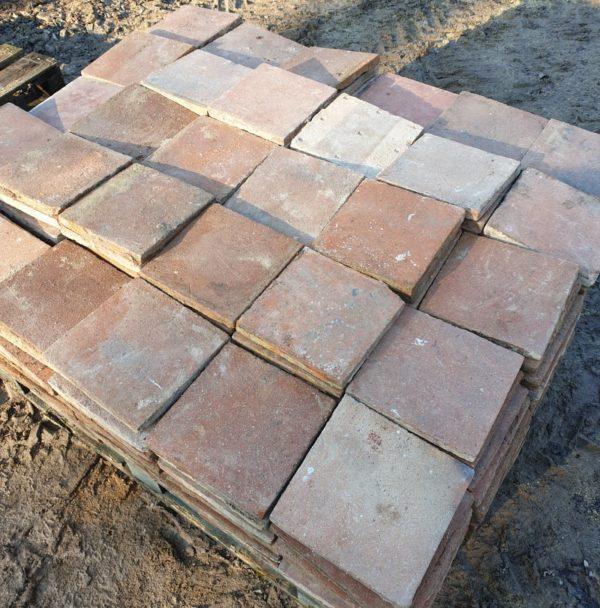 lot of 20 m² floor tiles in 22 by 22 Cm