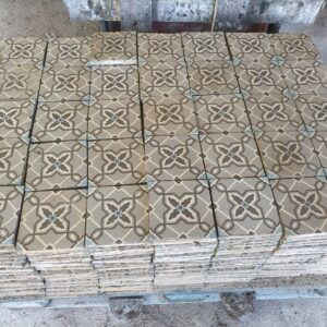 Available this magnificent batch of old cement tiles for 15.5 m2
